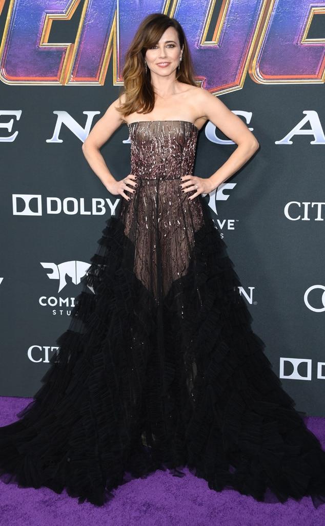 Linda Cardellini -  Linda Cardellini looks like a real life superhero in her two-tone dress at the  Avengers: Endgame premiere.