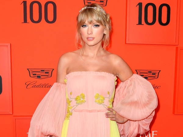 Taylor Swift Says She Uses Songwriting As ''Protective Armor'' at TIME 100 Gala