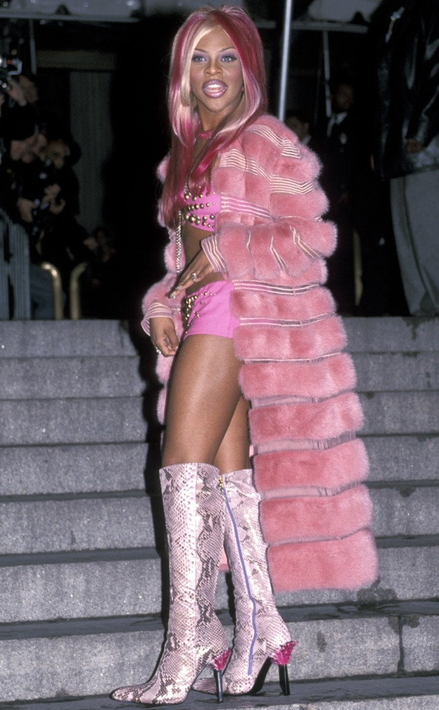 Lil' Kim -  Pretty in pink!