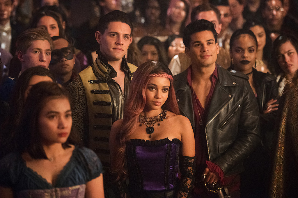 The Riverdale Prom Looks As Bonkers As You D Expect E News