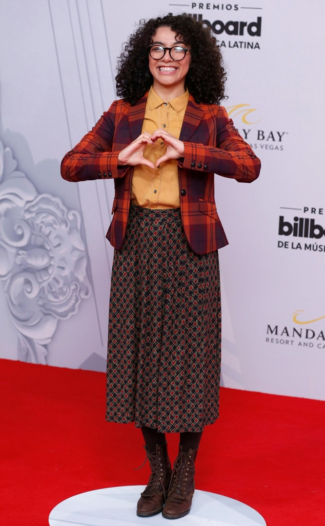 Elyfer Torres -  The  Betty en NY  star may just be in love with her outfit for the night.