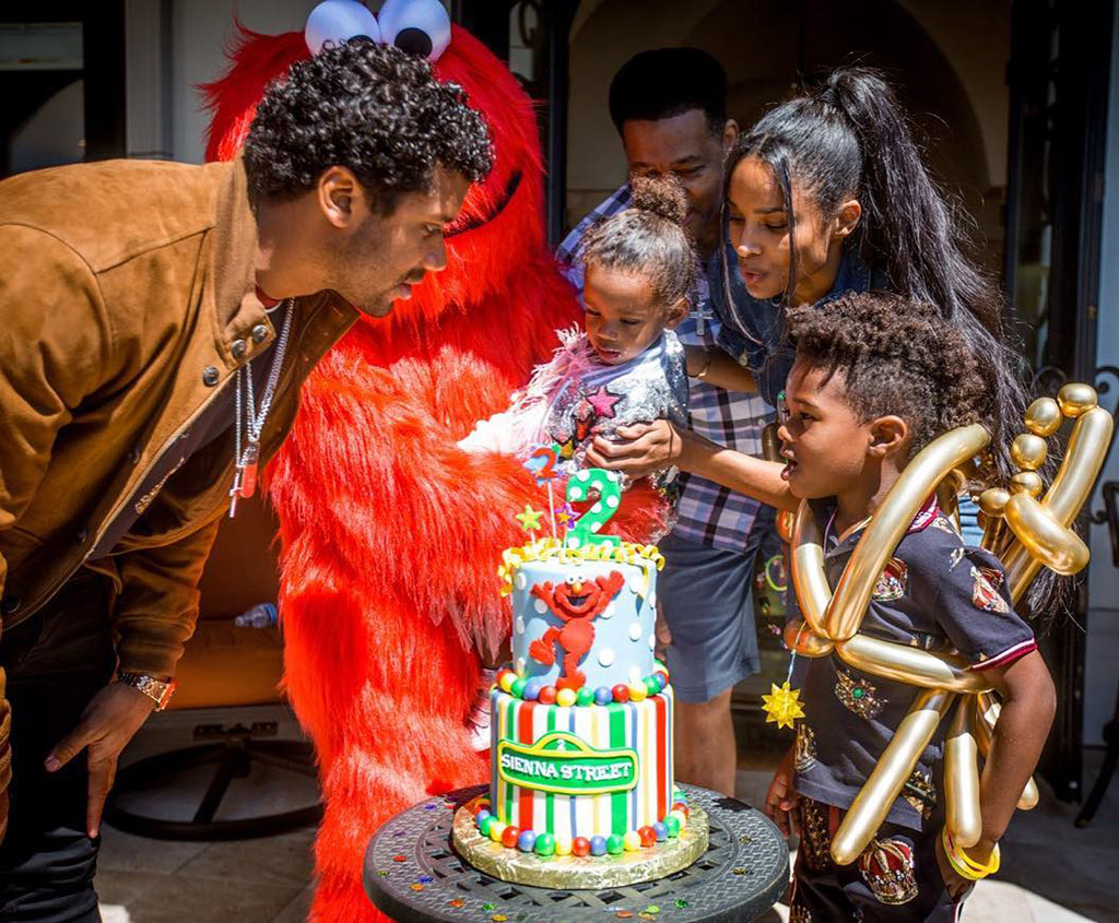 Ciara Russell Wilson Throw Daughter An Adorable Elmo Themed Party E Online
