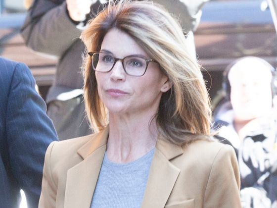 Lori Loughlin ''Is a Wreck'' as She Awaits Trial in College Admissions Scandal