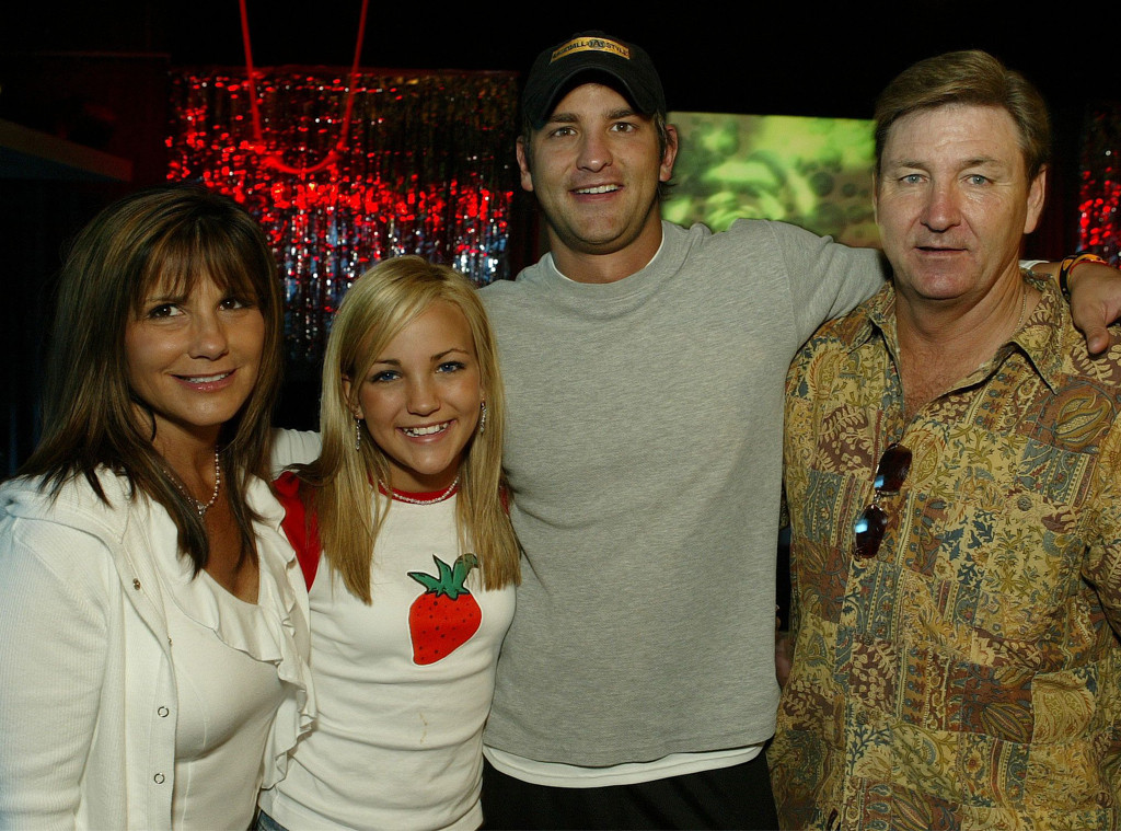 Lynne Spears, Jamie Lynn Spears, Bryan Spears, Jamie Spears, Birthday Party, 13 Going On 30 Screening