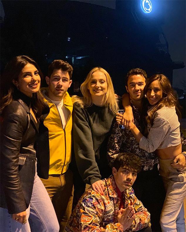 Priyanka Chopra, Nick Jonas, Sophie Turner, Joe Jonas, Kevin Jonas, Danielle Jonas, Jonas Brothers