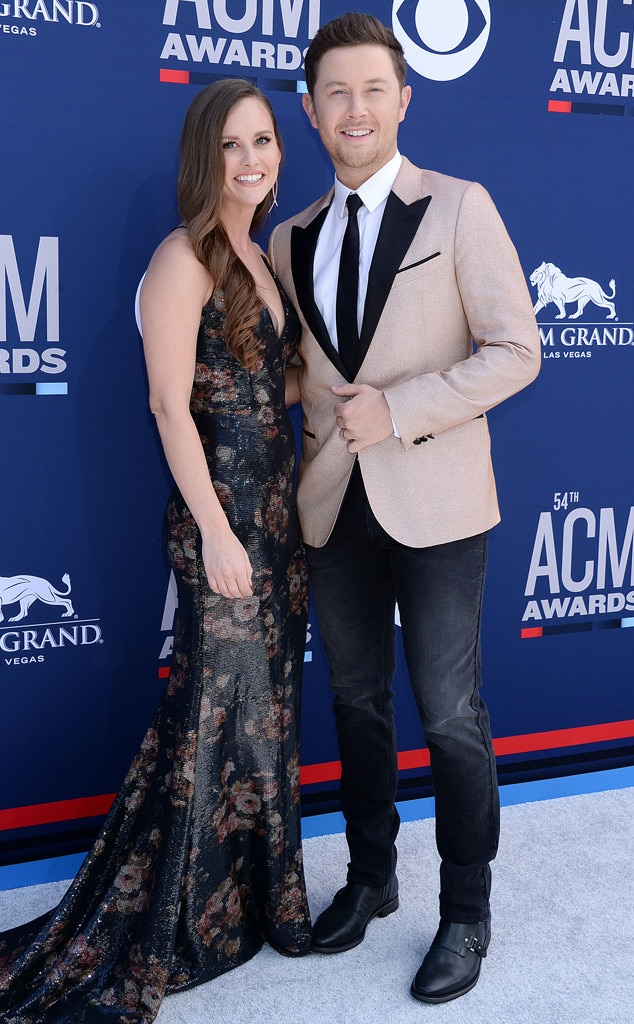 Scotty McCreery & Gabi McCreery -  It's date night for the  American Idol  star and his wife who happily pose for photos together.
