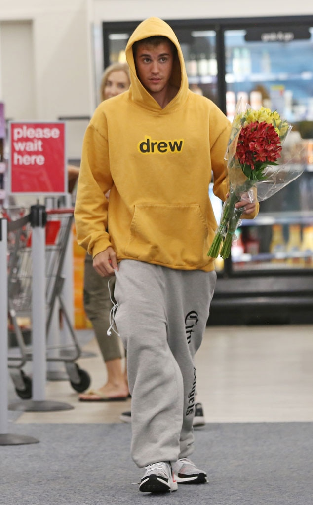 Justin Bieber -  The singer was spottedbuying a bouquet of flowers at CVS pharmacy.