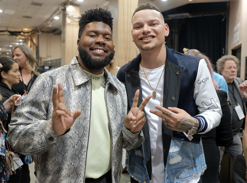 Khalid & Kane Brown -  The star performers held up peace signs for the cameras.