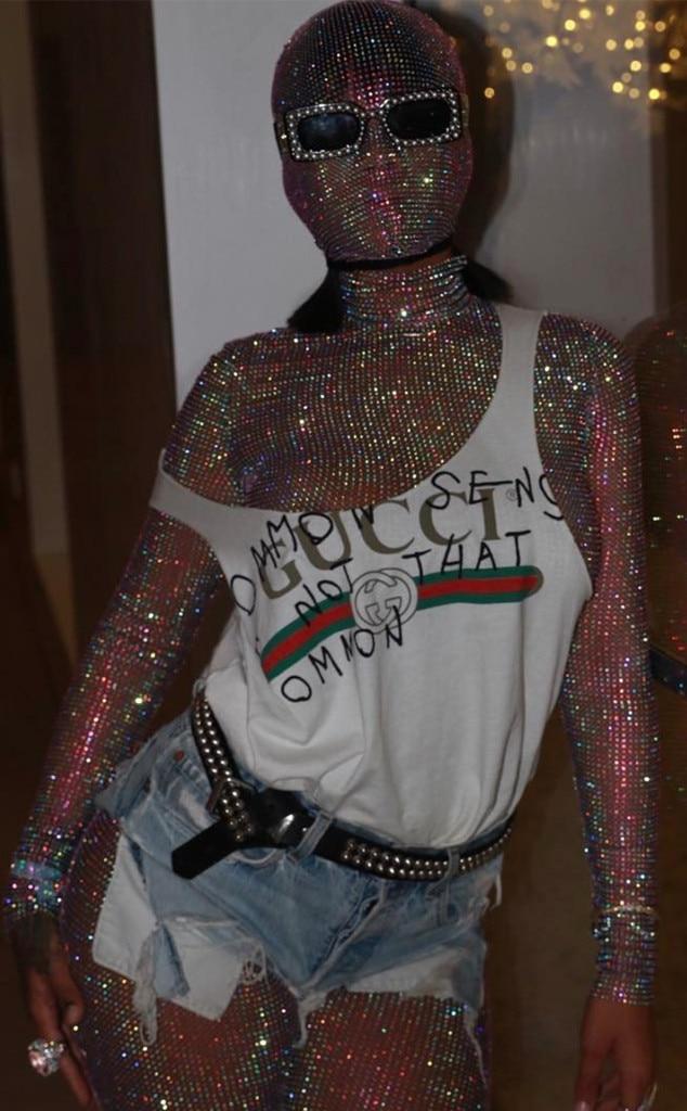 Rihanna -  Diamonds are forever for RiRi at Coachella 2017.