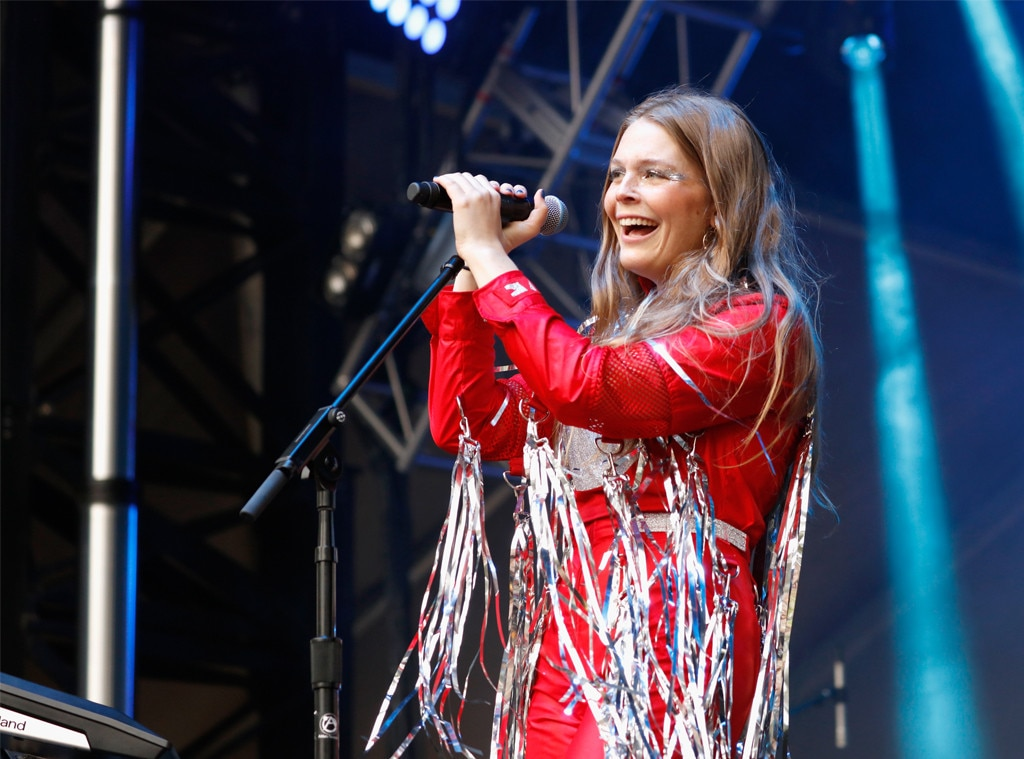 Maggie Rogers calls out catcaller at Austin concert
