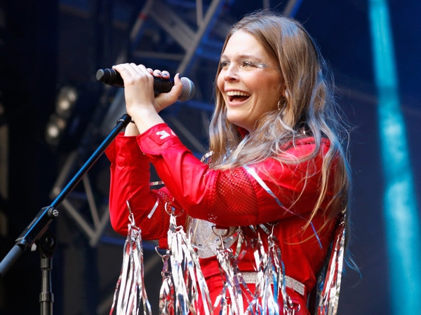 Maggie Rogers Shares Powerful Message Following Sexist Behavior at One of Her Shows