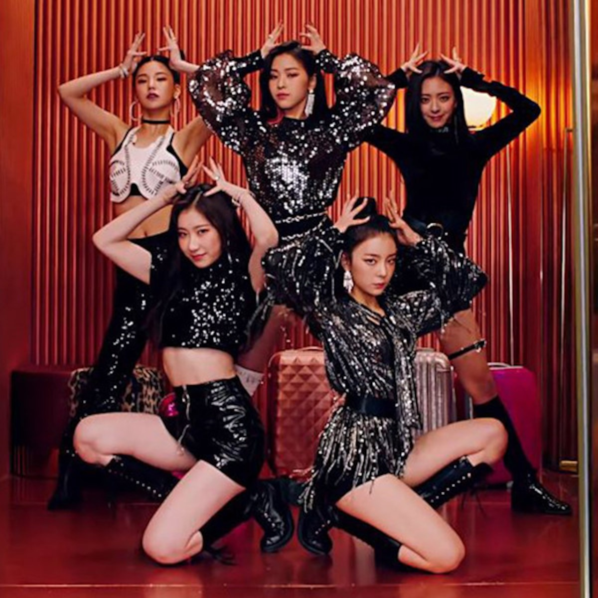 Get To Know The 5 Members Of South Korean Girl Group Itzy