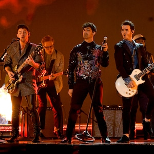 Nick Jonas, Joe Jonas, Kevin Jonas, Jonas Brothers, 2019 Billboard Music Award, Show