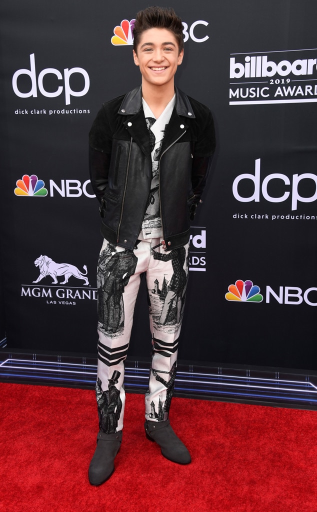 Asher Angel, 2019 Billboard Music Award, Red Carpet Fashions
