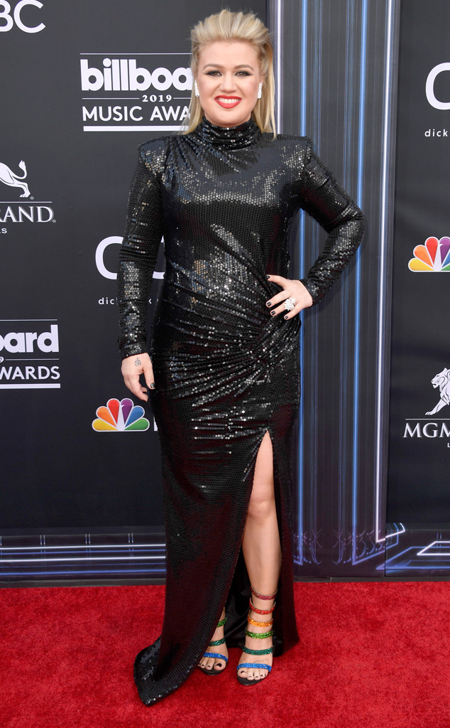 Kelly Clarkson, 2019 Billboard Music Award, Red Carpet Fashions