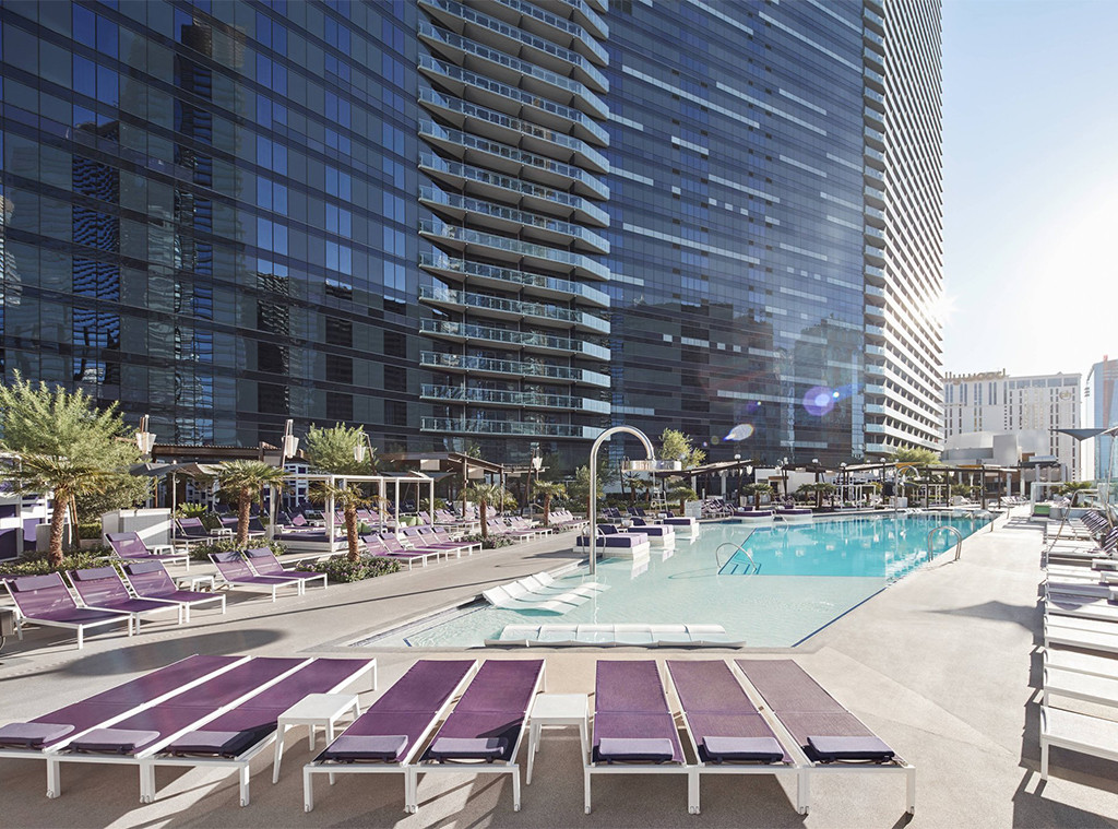 E-Comm: 5 Great Girls Trip Resorts, The Cosmopolitan of Las Vegas