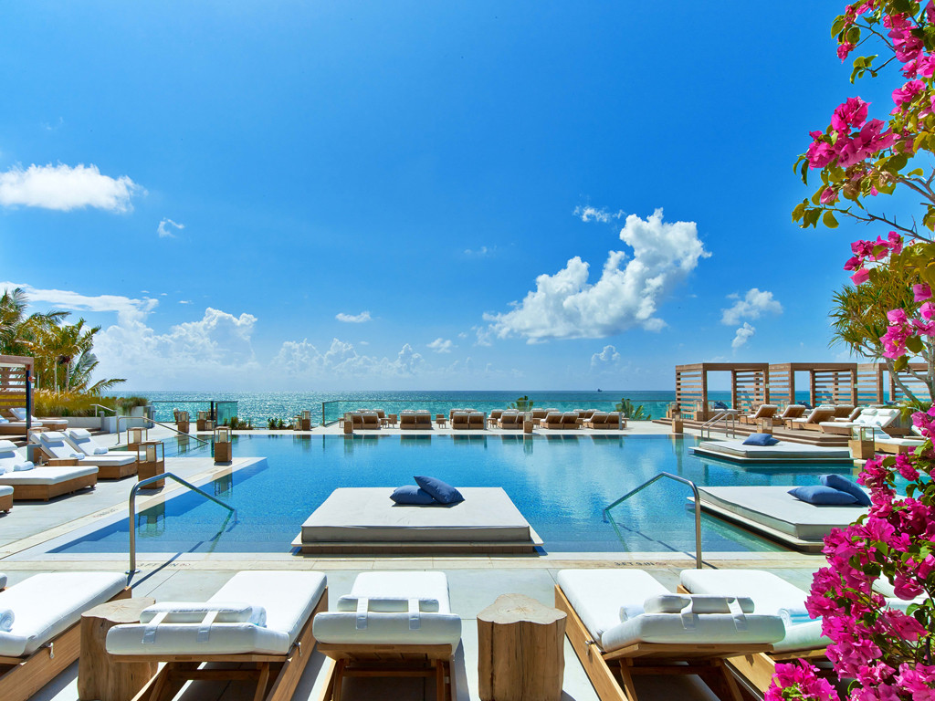 E-Comm: 5 Great Girls Trip Resorts, 1 Hotel South Beach