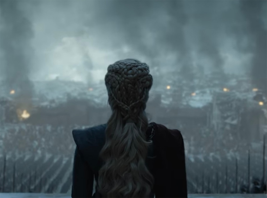 """Emilia Clarke on Jon Snow Killing Women -  This guy's clearly got some relationship issues.   """"Um, he just doesn't like women does he?"""" she  joked ."""