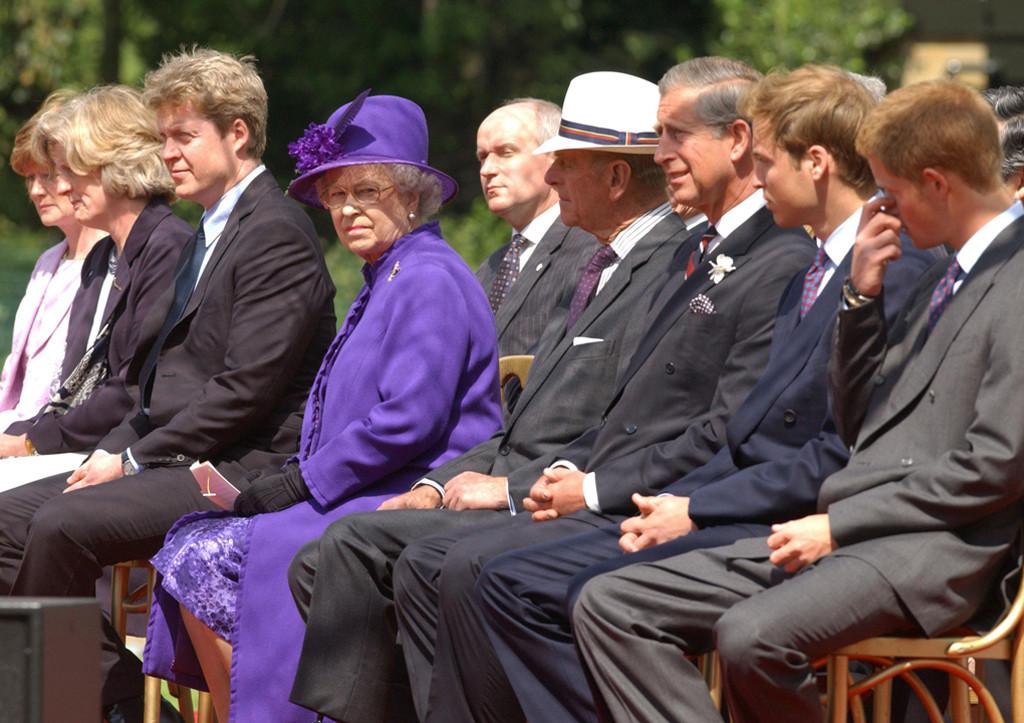 Sarah McCorquodale, Jane Fellowes, Earl Spencer, Duke of Edinburgh, Queen Elizabeth, Prince Charles, Prince William, Prince Harry