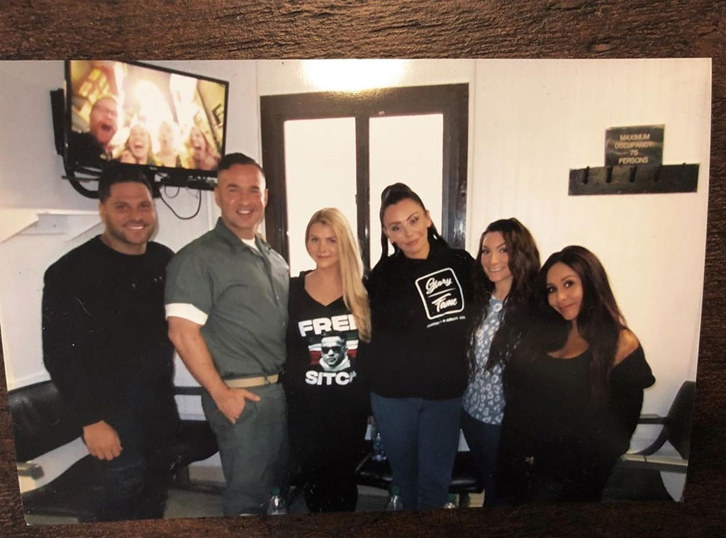 "All in the family - Jersey Shore  stars  Ronnie Oritz-Magro , Lauren,  Jenni ""JWoww"" Farley ,  Deena Cortese  and  Nicole ""Snooki"" Polizzi  smile for a big photo together.   ""The Comeback Is Always Greater Than The Setback,"" Mike writes on Instagram."
