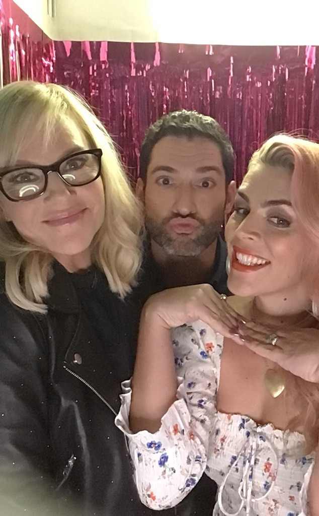 Tom Ellis & Rachael Harris -  The  Lucifer  co-stars get cozy in the photo booth with Busy!