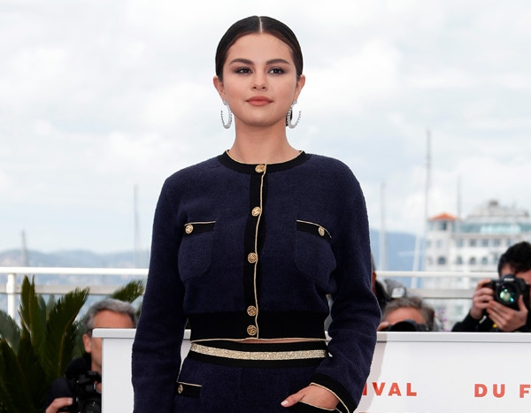 Selena Gomez Stuns in Feathered Dress at The Dead Don't Die - E! NEWS thumbnail