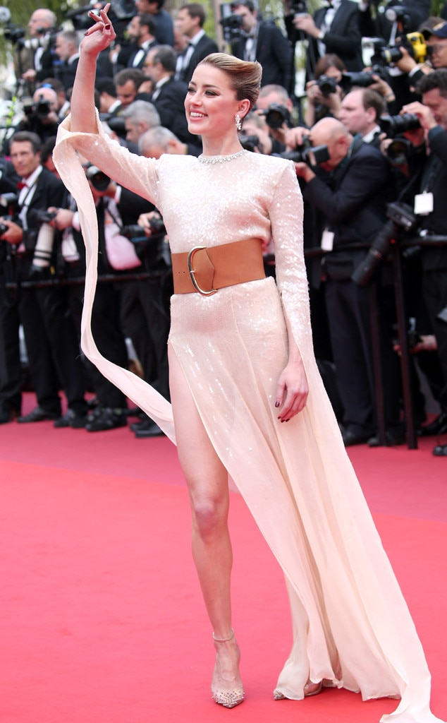 Amber Heard -  This is how you do red carpet glam!
