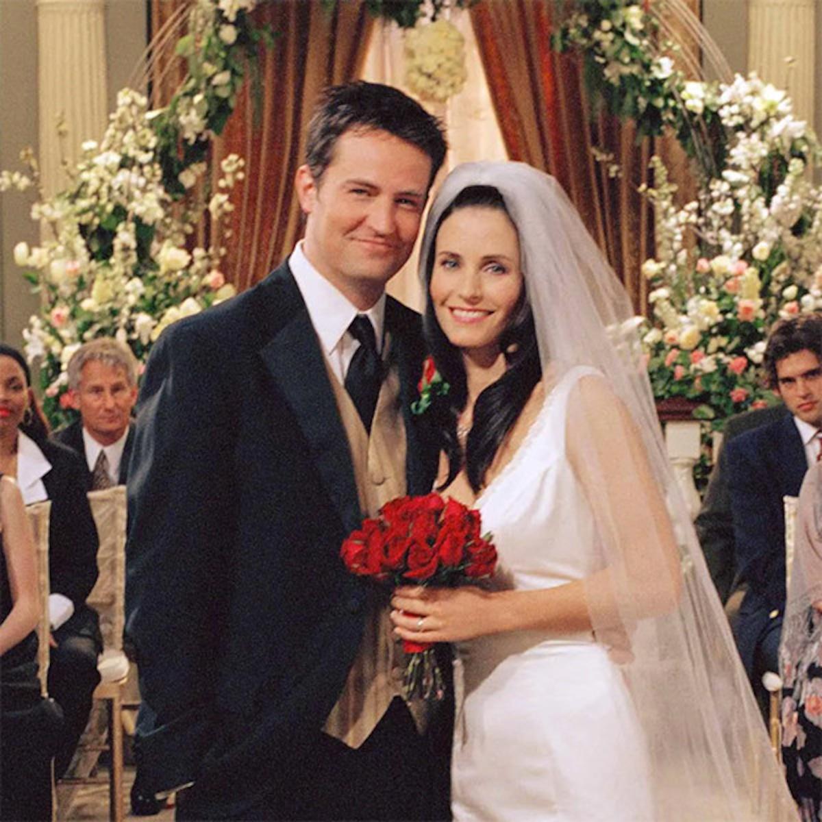 Happy Anniversary Monica & Chandler: Revisit Friends Romance - E! Online
