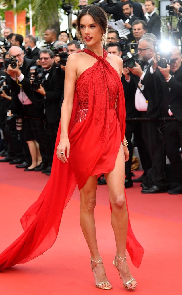 Alessandra Ambrosio -  In Julien Macdonald