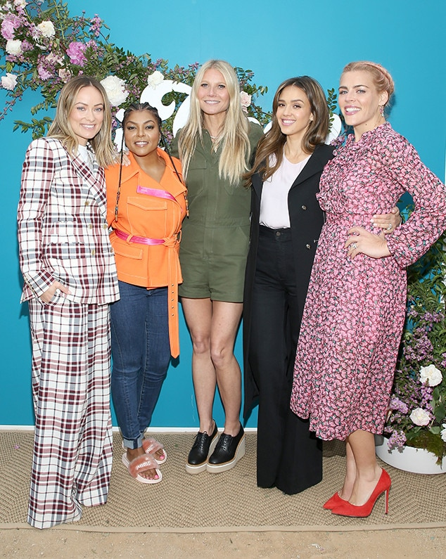 Olivia Wilde, Taraji P. Henson, Gwyneth Paltrow, Jessica Alba, and Busy Philipps -  The actresses pose for a group pic.