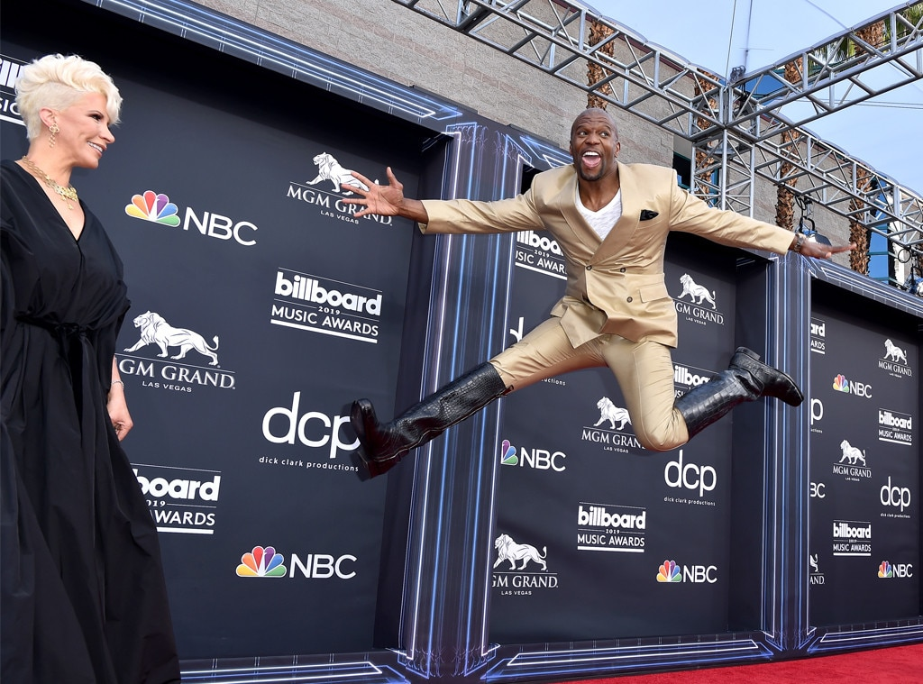 Terry Crews -  The Brooklyn Nine-Nine star shows off his moves on the red carpet.