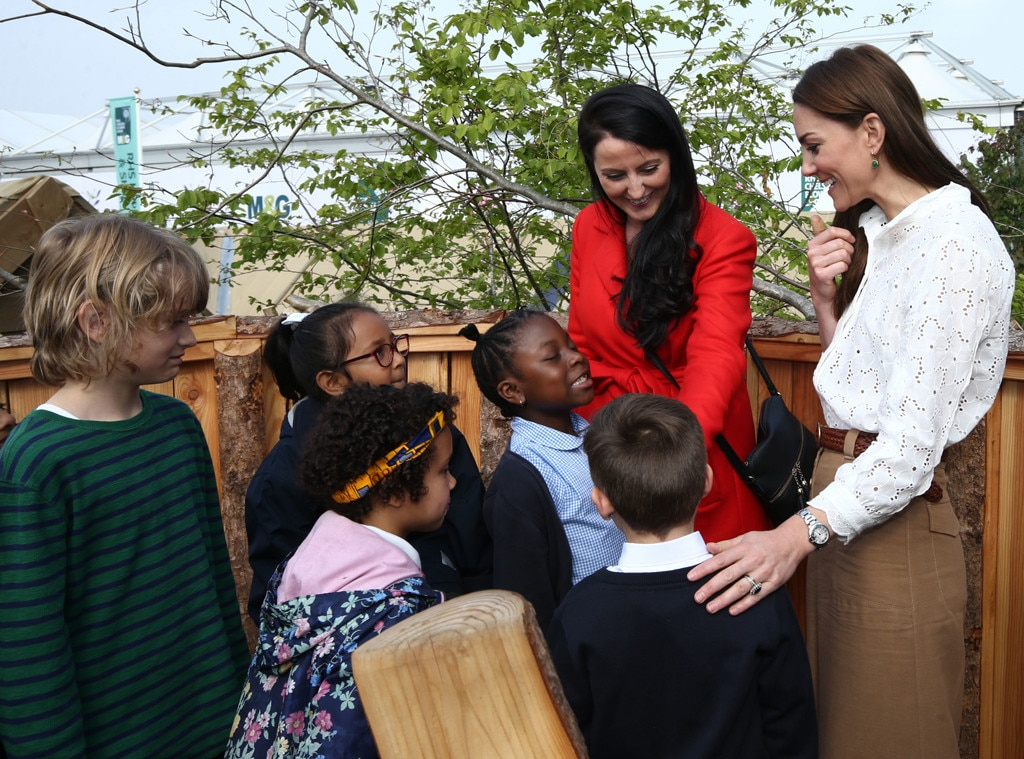 Prince William, Kate Middleton explore garden with their kids in new photos