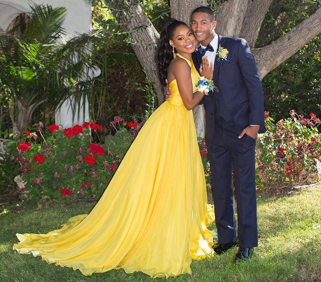 "Dia Nash - Niecy Nash 's daughter lights up the room in her bright yellow gown. ""Hey it's prom,"" the teenage beauty  shares , alongside several snaps of her with her date."