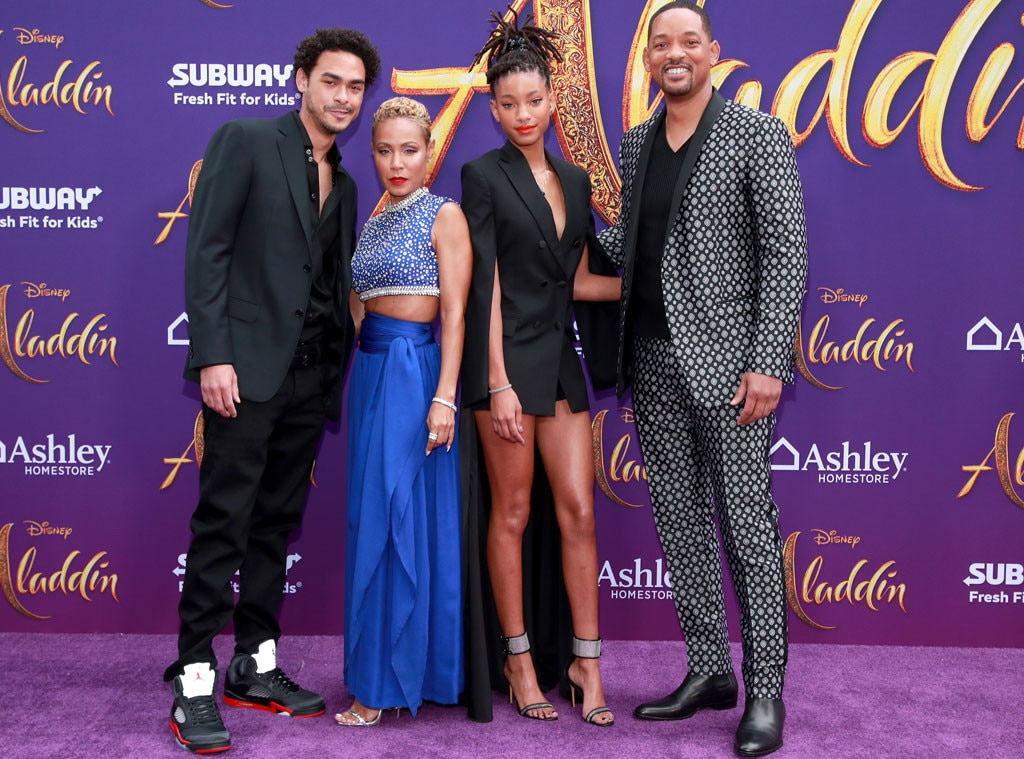 Will Smith, Jada Pinkett Smith, Willow Smith & Trey Smith -  It's a family affair! The 50-year-old star dresses as flashy as his character in an embroidered suit, while his wife dazzles in a royal blue 'fit.
