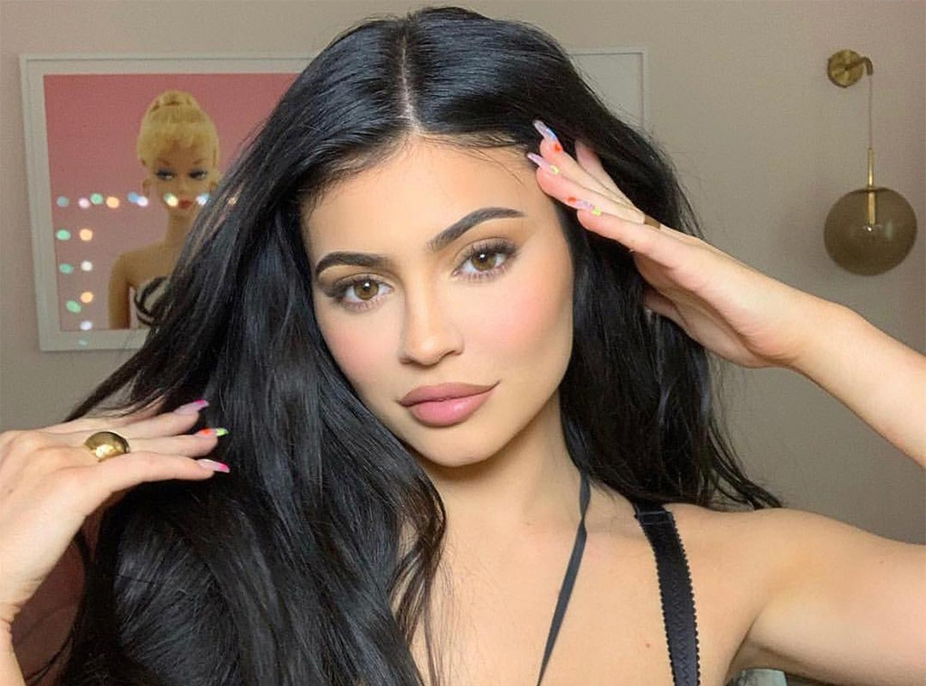 E-Comm: Kylie Jenner, Kylie Cosmetics