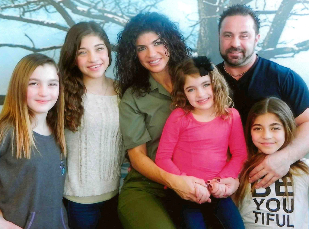 Teresa Giudice, Joe Giudice and daughters
