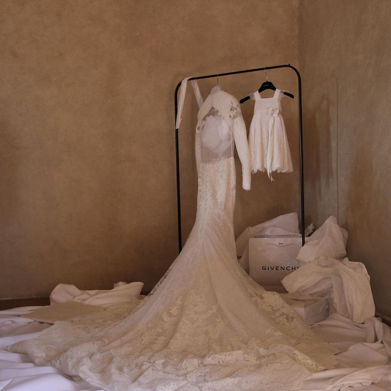 Photos From Kim Kardashian And Kanye West S Wedding Behind The Scenes Photos E Online