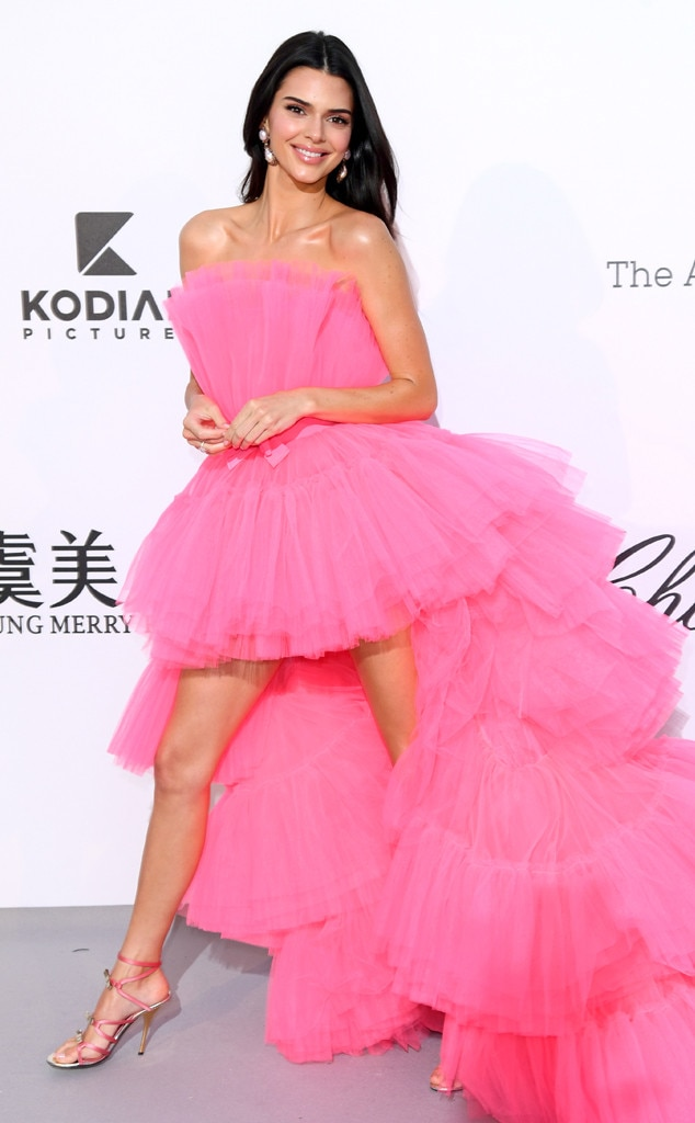 Kendall Jenner -  The  Keeping Up With the Kardashians  star turns heads for all the right reasons in her bright pink gown.