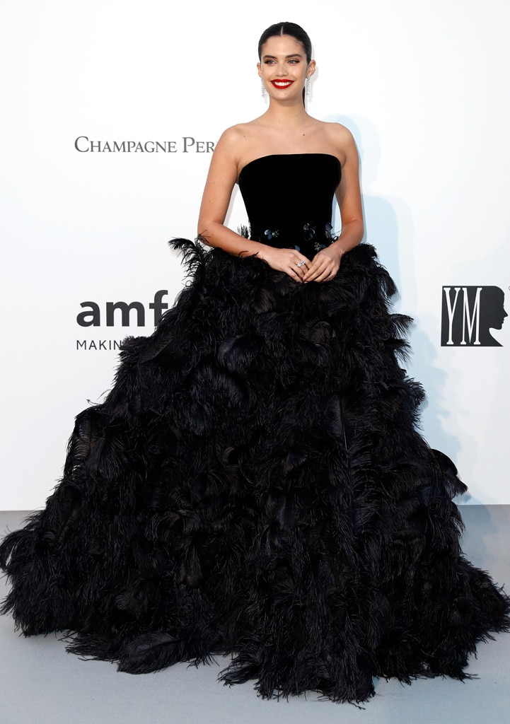 "Sara Sampaio -  ""Amfar ready!"" the model shared on  Instagram  when showing off her black gown from Armani."