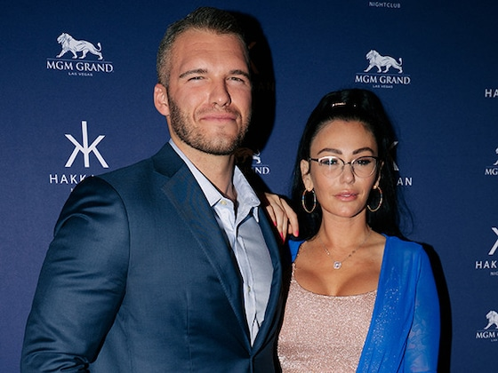 JWoww and Boyfriend Zack Make Red Carpet Debut as a Couple on Las Vegas Date Night