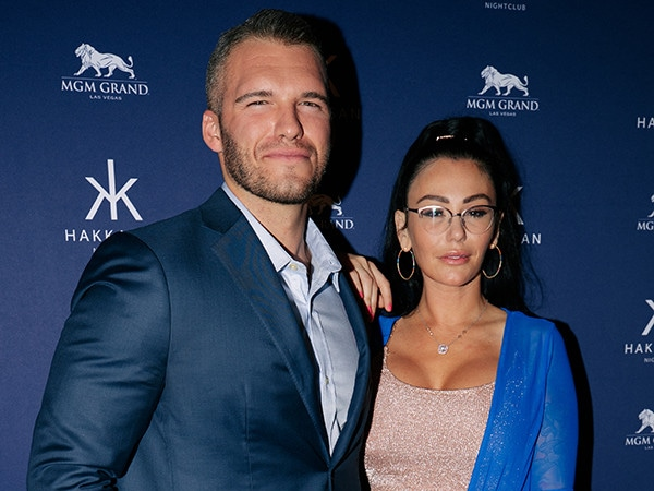 JWoww and Boyfriend Zack Make Red Carpet Debut as a Couple on Las Vegas Date Night