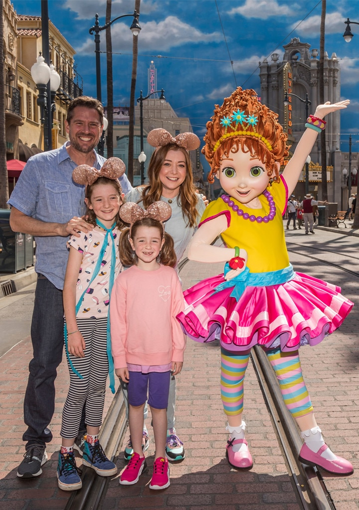 Alyson Hannigan, Alexis Denisof, Disneyland