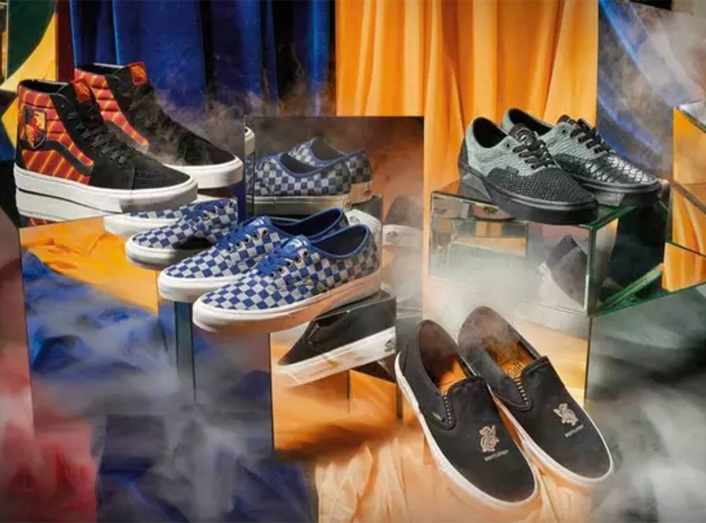 Cumplimiento a mesa Ocurrencia  Accio Shoes! Harry Potter x Vans Collection Is Here - E! Online
