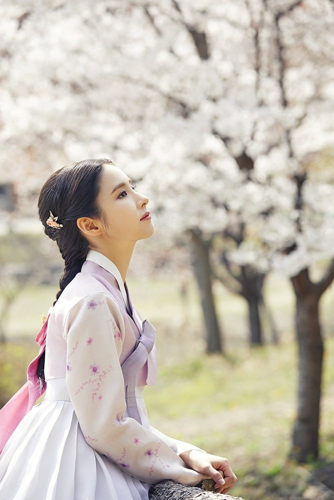 Your First Look at Gorgeous Drama Couple, Shin Se-Kyung and