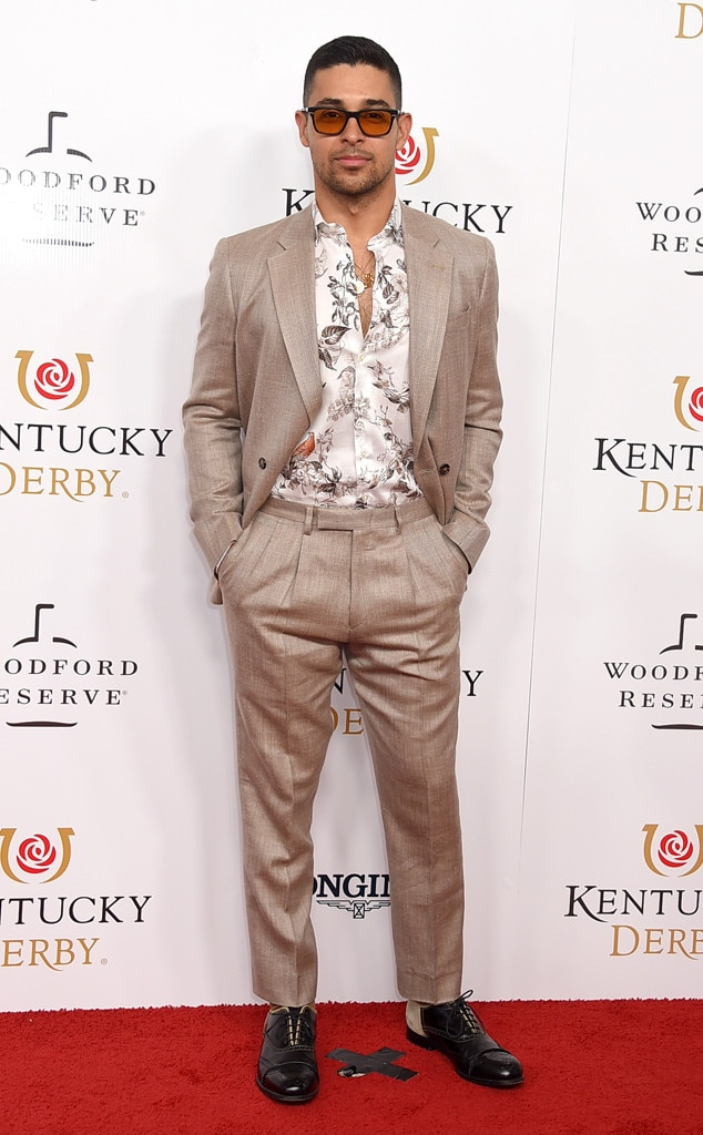 Wilmer Valderrama -  Wilmer Valderrama looks cool in his beige suit with a white patterned shirt.