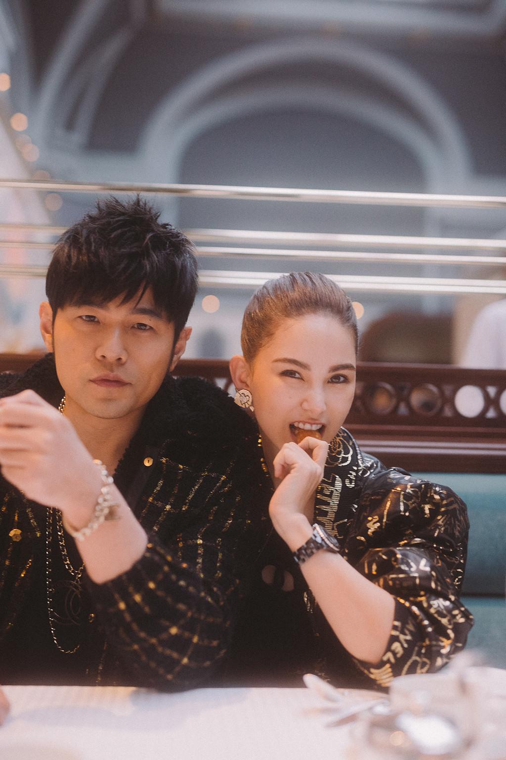 Jay Chou, Hannah Quinlivan, Chanel Cruise 2020
