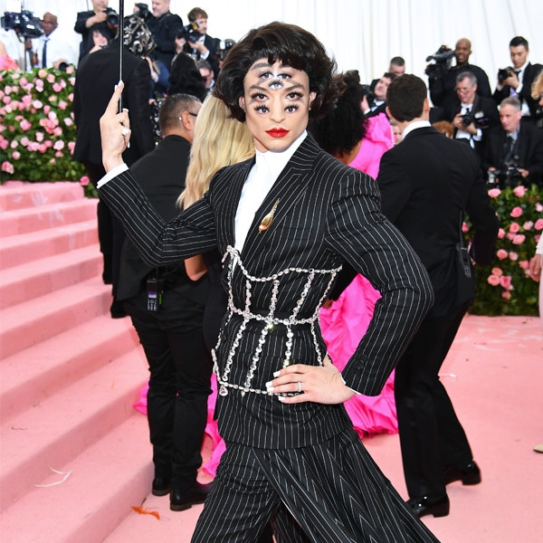 Ezra Miller, 2019 Met Gala, Red Carpet Fashions