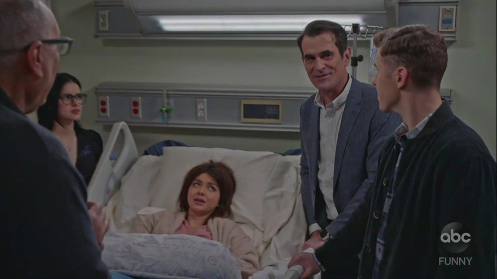 Haley Gives Birth In Modern Family Season Finale E Online