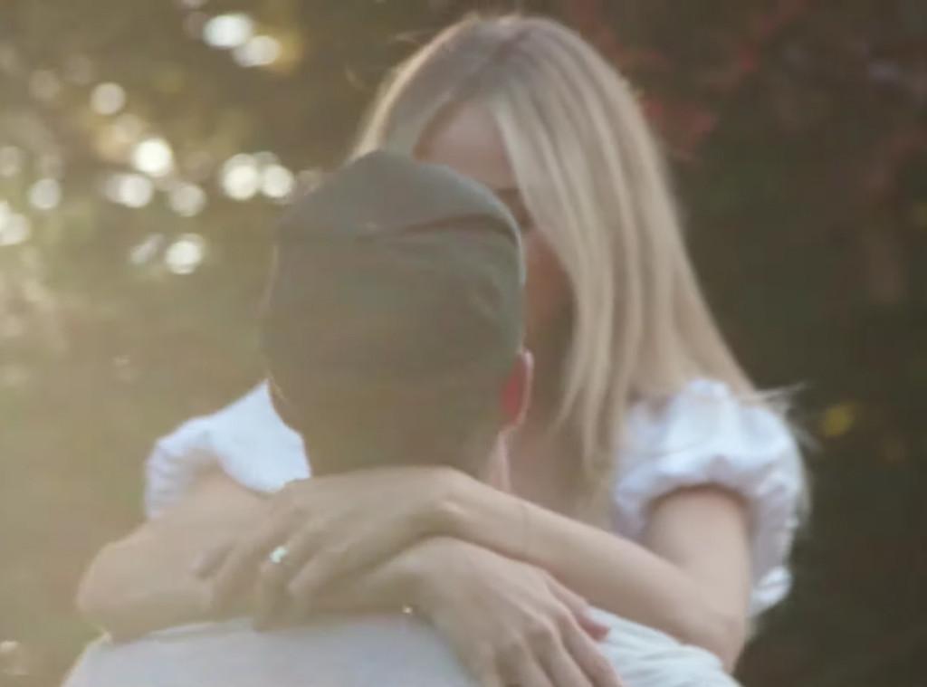 Chris Lane, Lauren Bushnell, Engagement