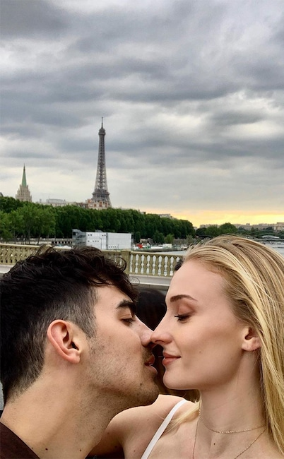Sophie Turner, Joe Jonas, Paris, France, PDA, Instagram